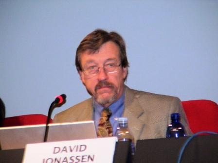 David Jonassen al tavolo dei relatori a BolzanoConversation2007